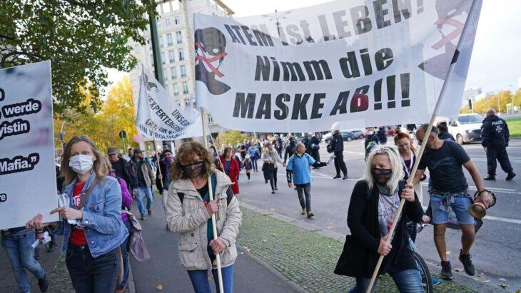 Il lockdown tedesco parte con tanto nervosismo