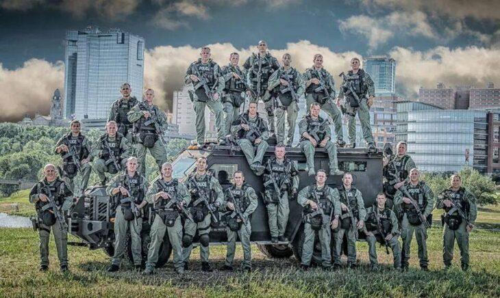 La Polizia USA si prepara a sanguinosi scontri dopo le elezioni. Con il 61% degli americani convinti della Guerra Civile fanno bene