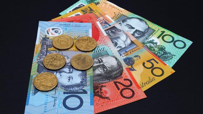 Mondo strambo; RBA taglia i tassi e fa QE, ed il Dollaro australiano cresce