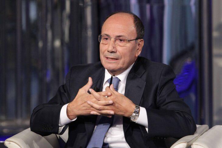 La «deriva contiana» di Forza Italia. Berlusconi si arrende al governo e nomina il moderato Schifani
