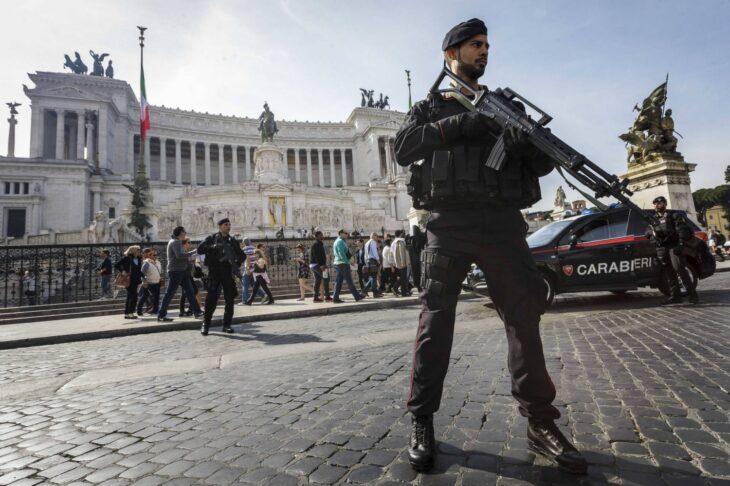 70 MILA AGENTI PER UNA GUERRA CONTRO IL POPOLO ITALIANO