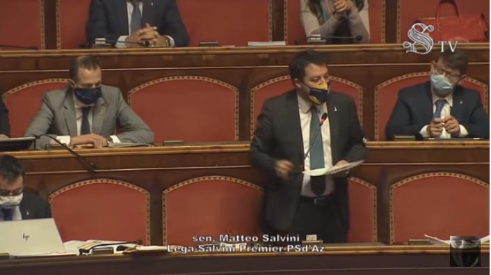Salvini: «Arcuri ha fallito, quindi gli affidiamo i vaccini! Nel Regno Unito inizieranno a vaccinare, su base volontaria, fra sette giorni, da noi fra 2 mesi!!»