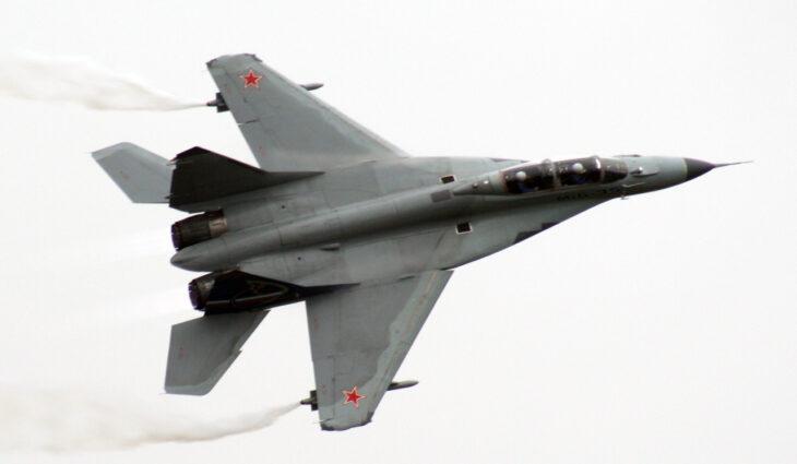 """La """"sfida militare"""" CINO-RUSSA: Pechino rischia di togliere grosse fette di mercato a Mosca"""