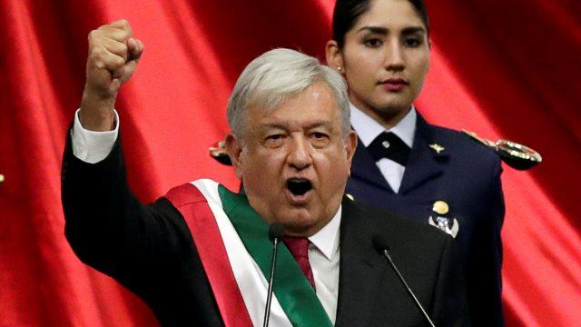 Il Presidente di Sinistra messicano si schiera con Trump. La Democrazia non è Plutocrazia