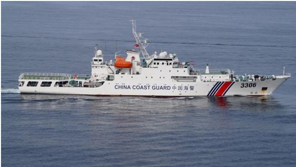 """La Cina autorizza la Guardia costiera a """"Sparare per difendere i confini"""". Venti di guerra nel Mar Cinese Meridionale"""