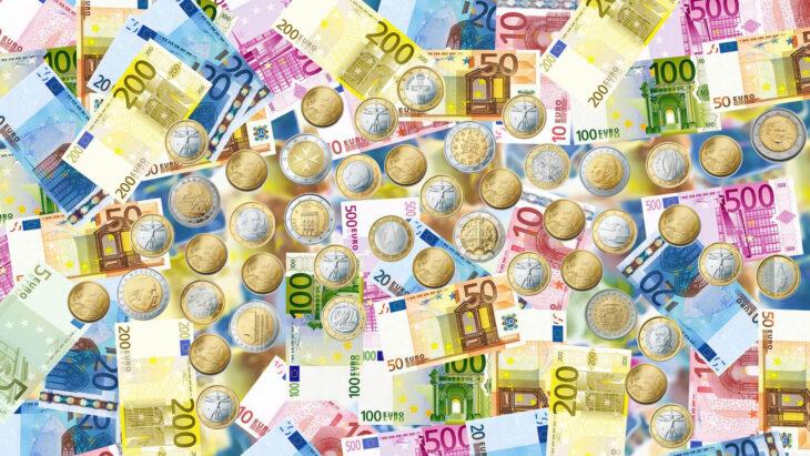 La BCE bacchetta il Governo sui contanti