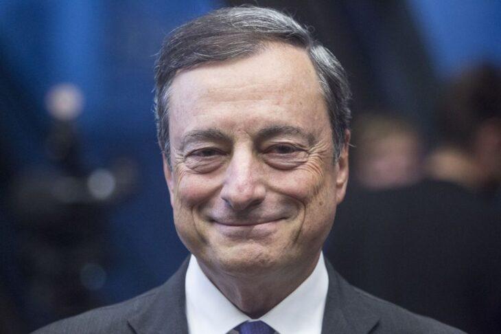 Mario Draghi, cioè la bellezza di  veder operare, in silenzio, sui vaccini