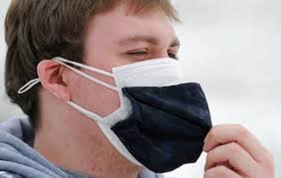 Ci faranno indossare due maschere. Ad opera di scienziati  con la faccia…..