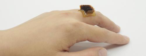L'energia termica del corpo umano per caricare piccolo oggetti indossabili. Matrix è tra noi
