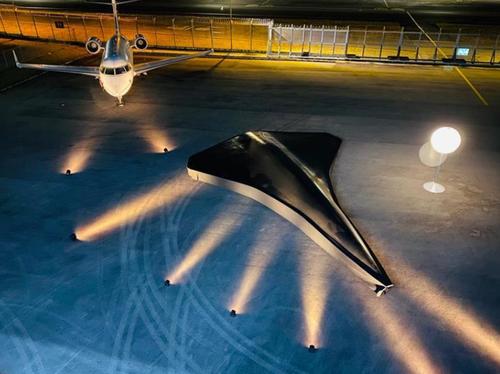 Venduti 100 esemplari del drone supersonico alla fiera di Singapore