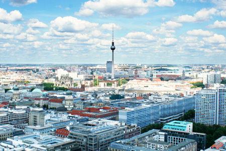 Disperazione tedesca: a Berlino entri in negozio solo con il test..