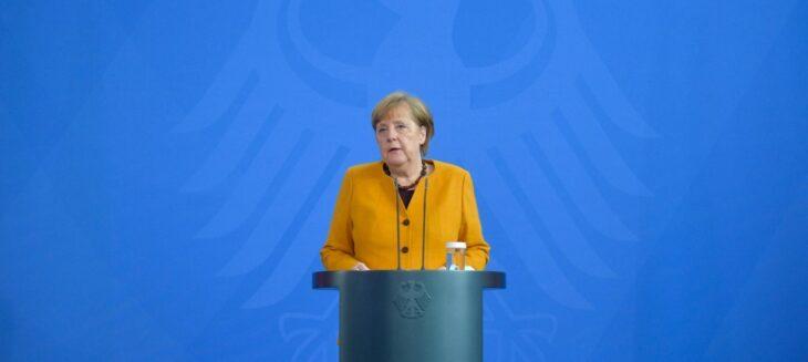"""""""Mi prendo tutta la responsabilità"""" . La Merkel rinuncia al suo piano di chiusure draconiane a Pasqua. Che è successo?"""