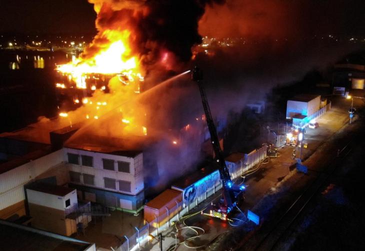 Incendio distrugge il più grande cloud service d'Europa. Danni incalcolabili e miliardi di dati persi