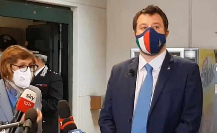 Salvini: i PM vogliono mandarlo in galera a Palermo