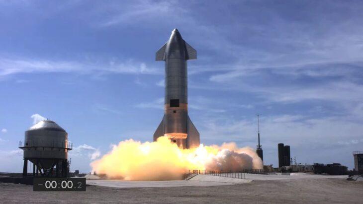 La SpaceX Spaceship offre un grandissimo spettacolo… e quasi funziona (quasi).
