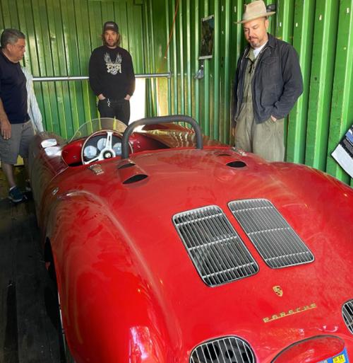 Auto: il ritrovamento del secolo. Una Porsche 550 in un container abbandonato