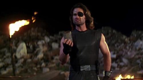"""Il Procuratore DEM di Los Angele vuole scioglere la antigang e la narcotici. Andiamo verso """"Fuga da Los Angeles"""" con Snake Plissken?"""