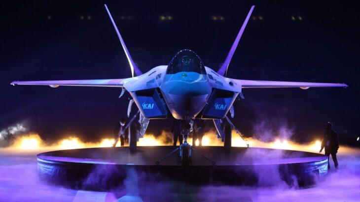 Presentato il primo prototipo del caccia coreano KF21: più avanzato di Eurofighter, meno costoso del F35