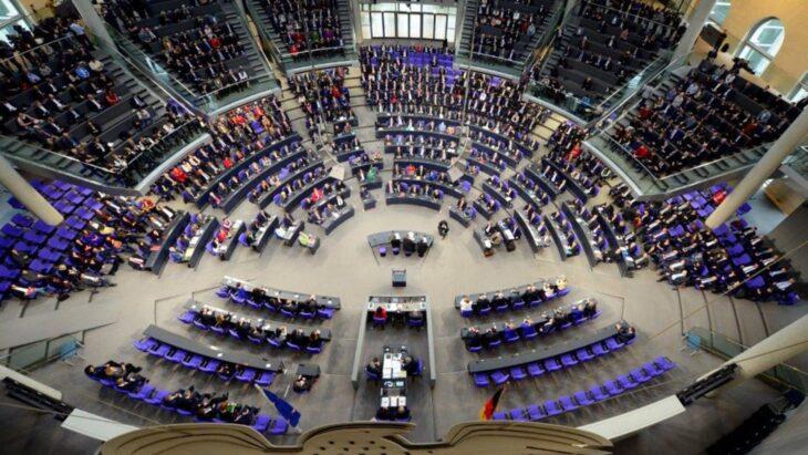 """In Germania gira la """"Lista della morte"""" per i parlamentari che han votato il lockdown"""