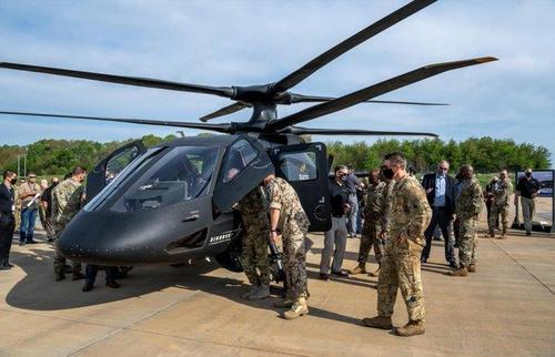 Il nuovo Sikorsky S97 Raider USA vola, ed è molto veloce