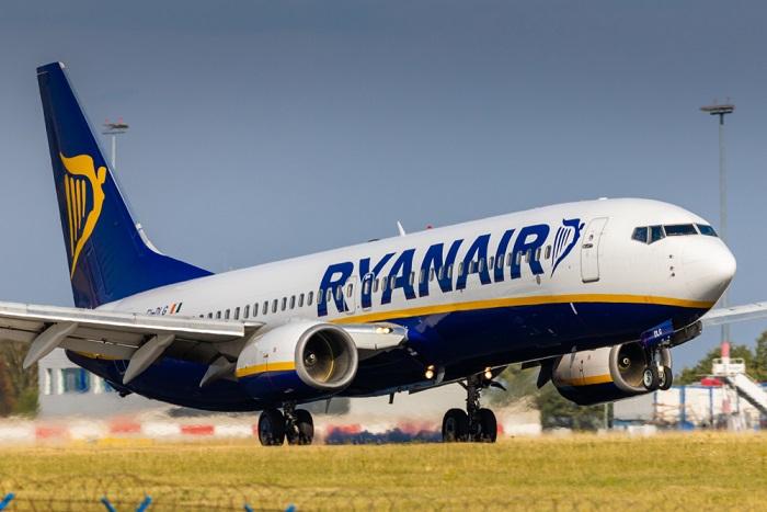 La Bielorussia obbliga aereo Ryanair ad atterrare per catturre un oppositore. Durissimo scontro in vista