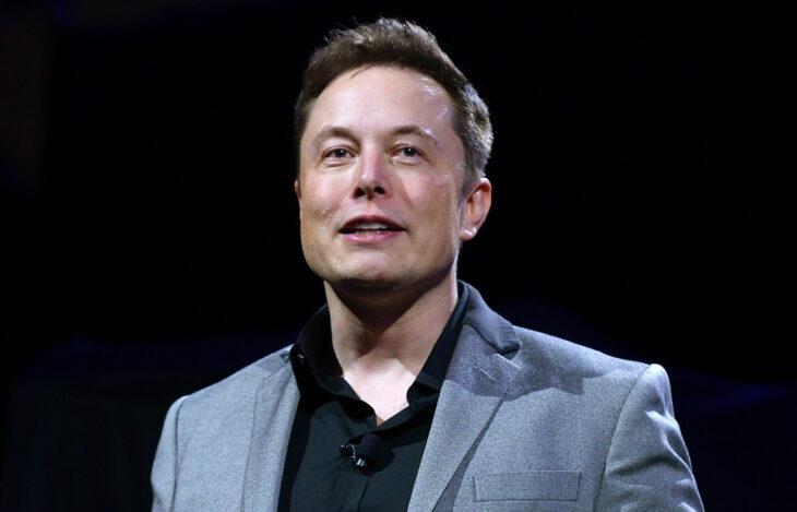 Musk sta considerando diverse opzioni per Tesla e criptovalute