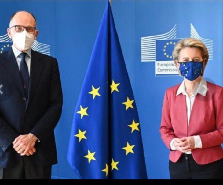 Letta va a prendere ordini (quasi in incognito) a Bruxelles
