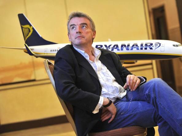 """Ryanair: """"Agenti del KGB a bordo"""". Oppure semplice fa"""