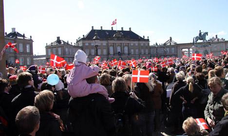 Il piano Danese per l'immigrazione clandestina: deportarli e trattare le domande FUORI dall'Europa
