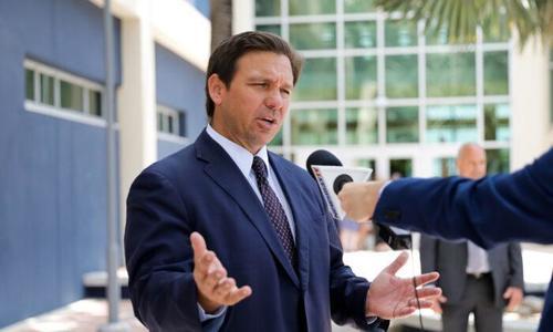 La Florida manda la guardia nazionale al confine di Texas ed Arizona contro l'immigrazione. Intanto Biden dorme