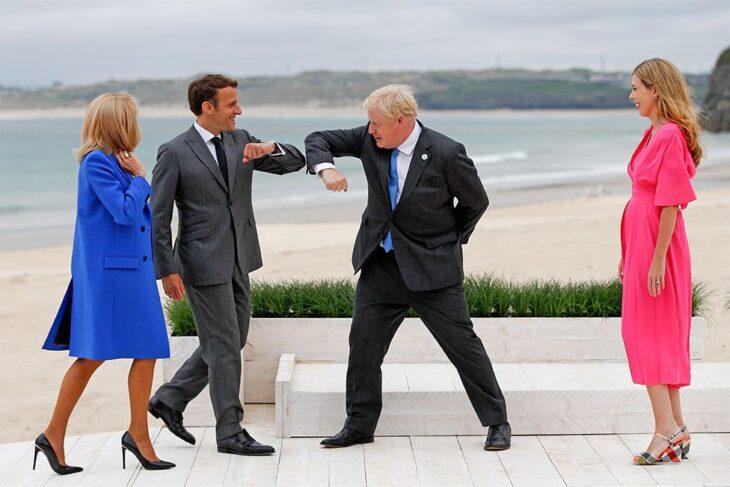 """Scontri infuocati fra Macron e Johnson: """"Questo vino è vecchio come l'ultima vittoria navale francese"""""""