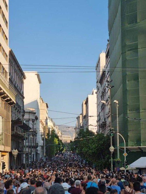 La Grecia segue la Francia negli obblighi vaccinali e nelle proteste di massa