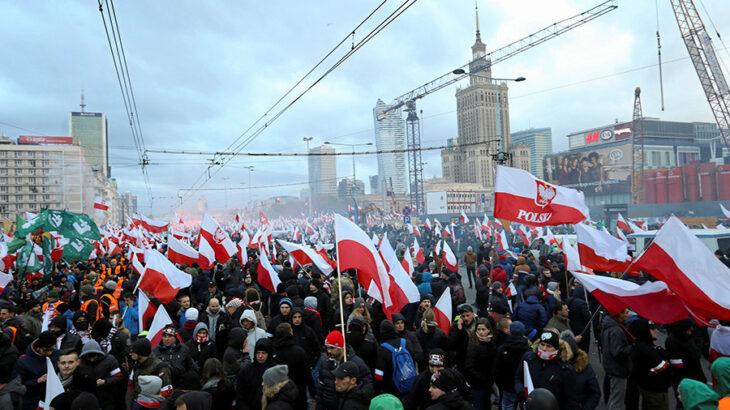 """""""Che fai, mi cacci?"""": fra Varsavia e Bruxelles inizia il duello che può cambiare la UE"""