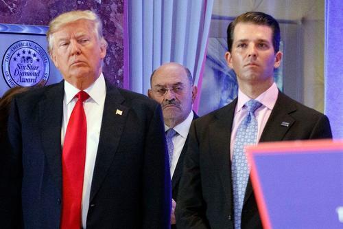 Il CFO di Trump sotto accusa a New York. Solito fango