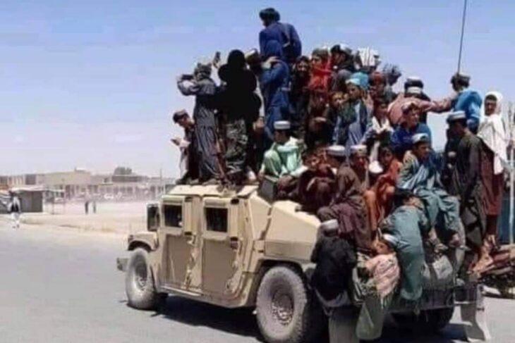 La Cina si prepara ad essere il primo paese a riconoscere i Talebani, e Biden deve mandare più soldati