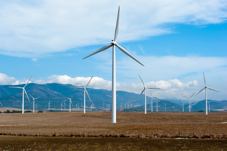 """La Spagna protesta per il +35% di costo dell'energia. Eppure è """"Verde""""! Prossimo passaggio Italia"""