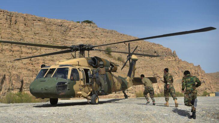 Come gli USA hanno ben armato i talebani con le armi lasciate sul campo