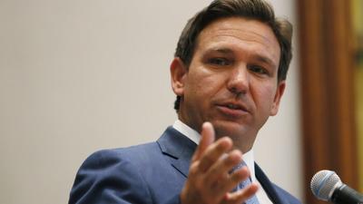 Il governatore DeSantis: metà delle persone in cura per Covid grave in Florida sono vaccinate