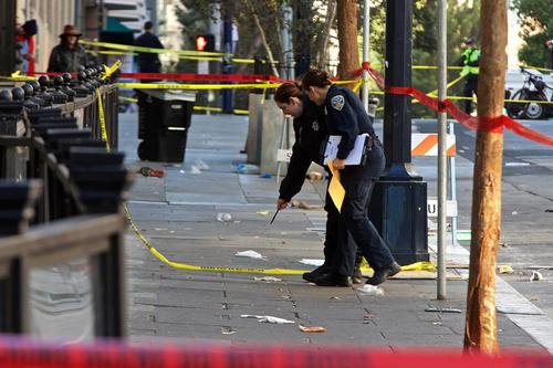L'ultima soluzione della Sinsistra Dem alla violenza: pagare i criminali affinchè non sparino
