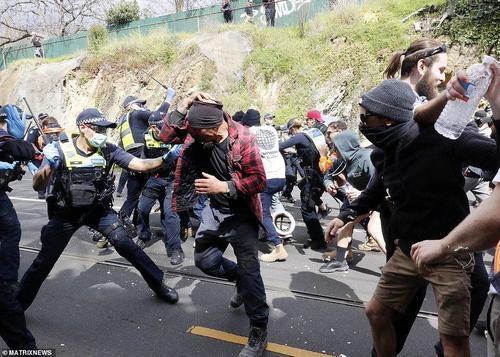 Australia: la radicalizzazione della repressione porta alla radicalizzazione delle protesta. Prossimo passo si spara sulla folla?