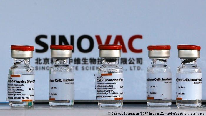 Il Brasile blocca 12 milioni di dosi di vaccino cinese Sinovac
