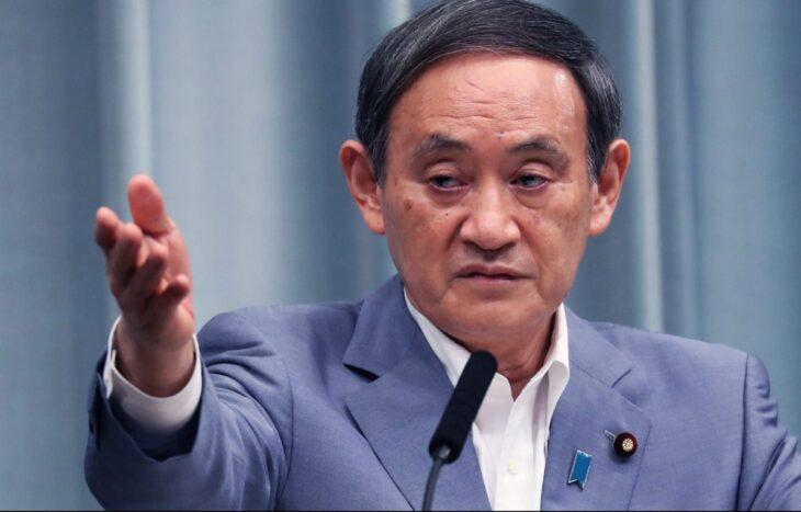 Colpo di scena in Giappone: il premier Suga lascia il proprio posto
