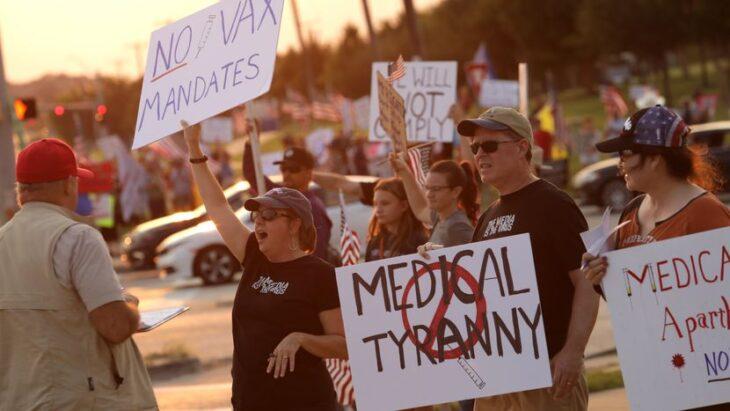 America spaccata: mezza popolazione contro l'obbligo vaccinale di Biden