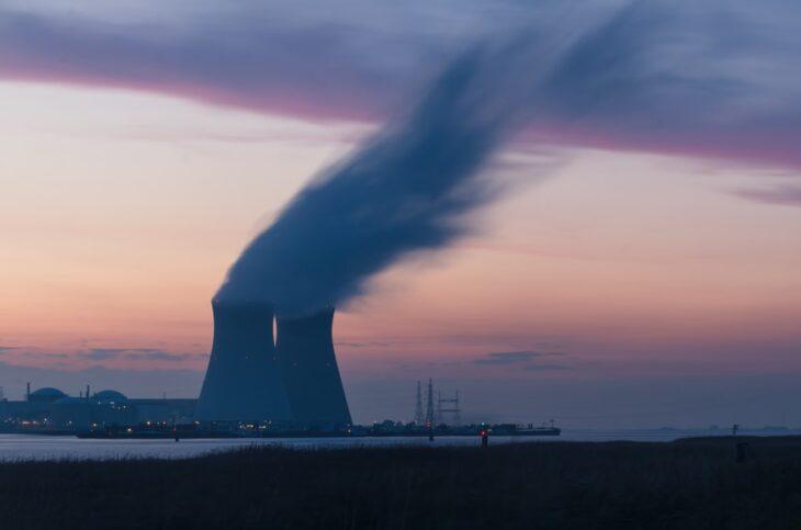 La Commissione benedice l'energia nucleare. I Verdi italiani staranno già festeggiando..