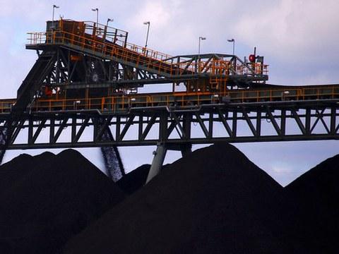 Crisi energetica: la Cina riapre in emergenza 72 miniere di carbone